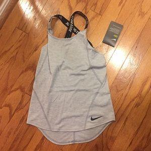 Nike girls activewear tank. Xs